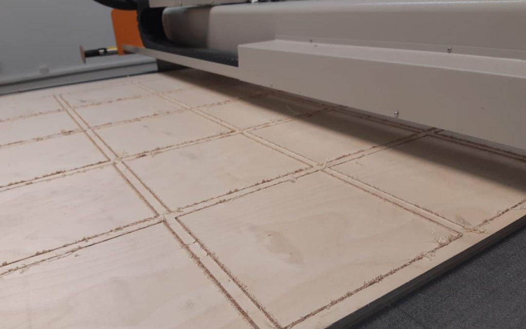 שולחן חיתוך צורני וכרסום לחומרים קשיחים